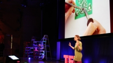 "TED: Leah Buechley: How to ""sketch"" with electronics - Leah Buechley (2011)"