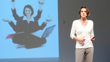 TED: Daphne Bavelier: Your brain on video games - Daphne Bavelier (2012)
