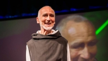 TED: David Steindl-Rast: Want to be happy? Be grateful - David Steindl-Rast (2013)