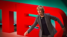 TED: Diana Nyad: Never, ever give up - Diana Nyad (2013)