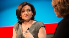 TED: Sheryl Sandberg: So we leaned in ... now what? - Sheryl Sandberg / Pat Mitchell (2013)